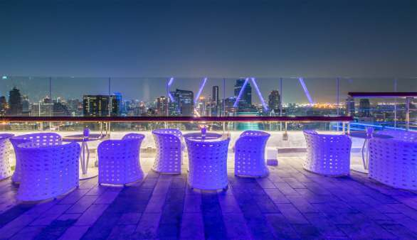 Rooftop Bar in Hongkong